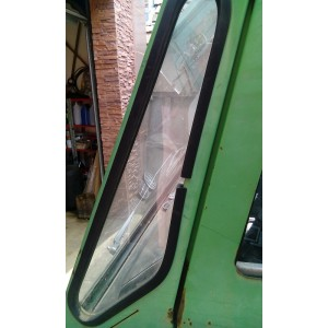 Bočné sklo kabíny - trojuholníkové
